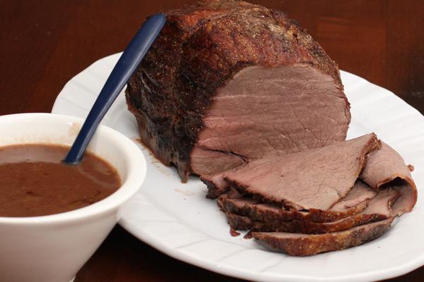 roast beef sirloin with pan gravy